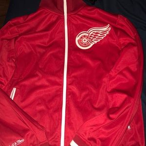 Red and white vintage hockey red wings jacket